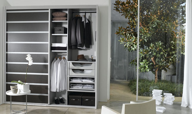 americabinets-americlosets-reach-in-closet-2